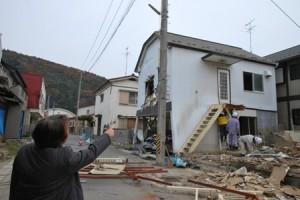 震災の年2011年11月旧萬代宅の取り壊し